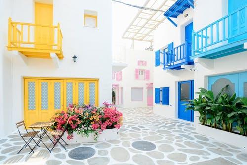 Derfor skal du få en maler til at male facaden på dit hus