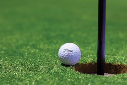 Sådan finder du de helt rigtige golfsko