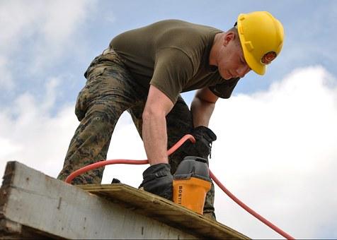 Få en lokal tømrer til at hjælpe med dit næste byggeprojekt